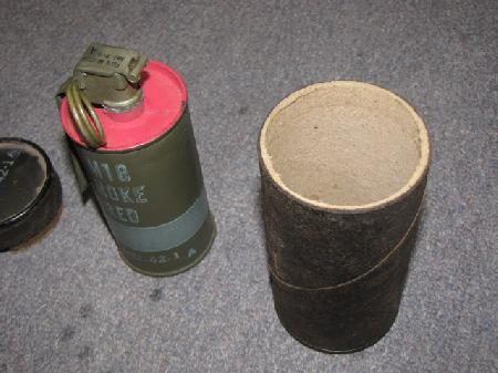 UWO-0010, WWII US Red smoke grenade in origin container