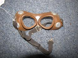 click to see av717-us-1929s30s-wilson-private-purchase-goggles