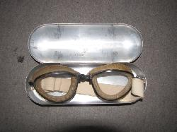 click to see av511-1930s-wwii-us-aviators-goggles-made-by-american-optical