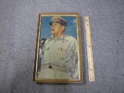 click to see sale-uwq0020-wwii-us-general-macarthur-portrait