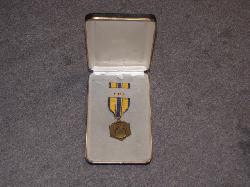 click to see sale-uym0004-post-wawr-us-air-force-commendation-medal-cased