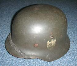 click to see sale-gh220-wwii-german-army-m40-single-decal-helmet