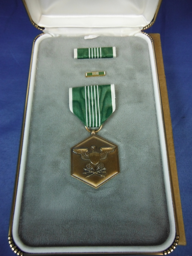 Ms 329 Us Army Commendation Medal In Presentation Case