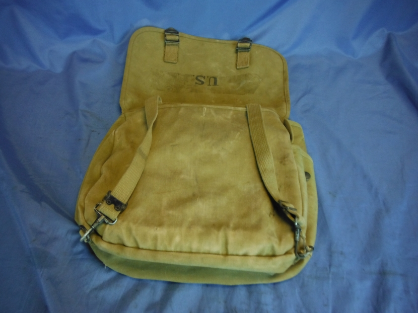 UWG-0391 WWII US Musette Bag, 1944 - Field Equipment