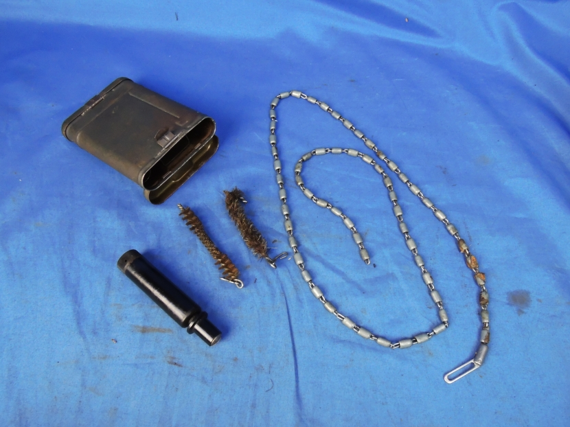 GWG-0154 WWII German K98 rifle Cleaning Kit (ab44) - - Military